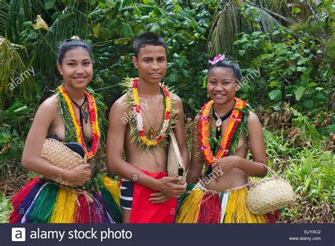 yap micronesia warrior boy yapese girls and boy in traditional clothing carrying hand