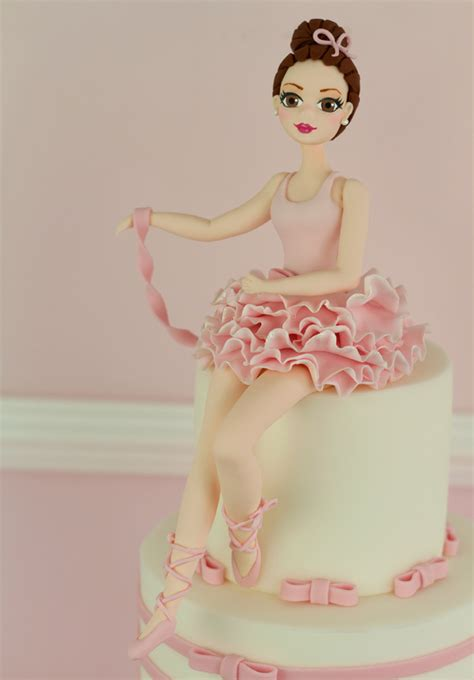 Beautiful Home Decorations cakes haute couture