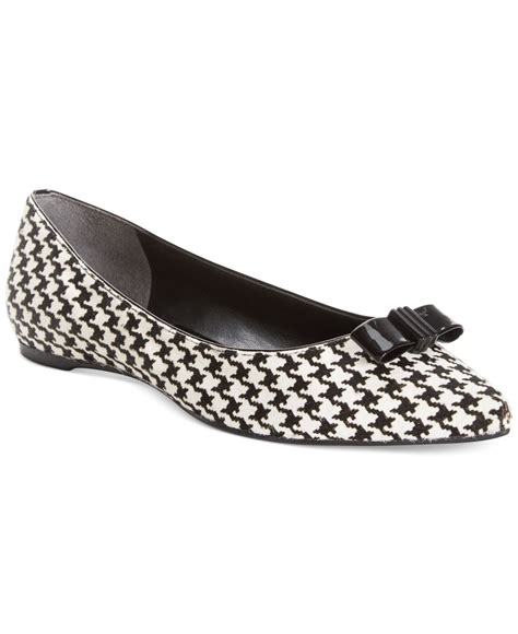 enzo shoes flats enzo angiolini collay flats in black houndstooth lyst