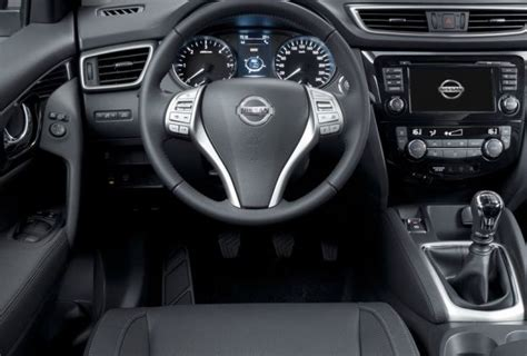 nissan qashqai 2015 interior 2015 nissan qashqai review and specs engine price