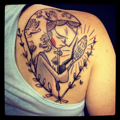 shoulder women praying hands tattoo by bubblegum art