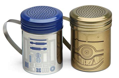 Spice Shaker by Star Wars R2 D2 Amp C 3po Spice Shaker Set Thinkgeek