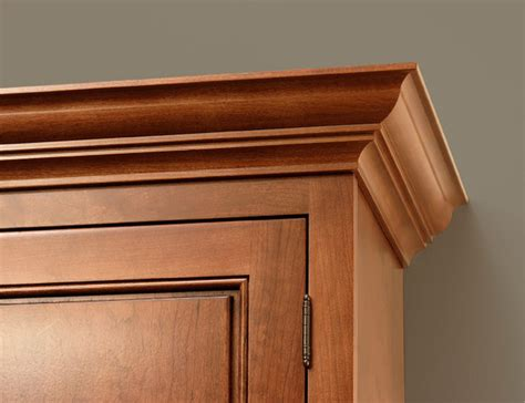Kitchen Cabinets With Molding Classic Crown Molding Cliqstudios Traditional Kitchen Cabinetry Minneapolis By