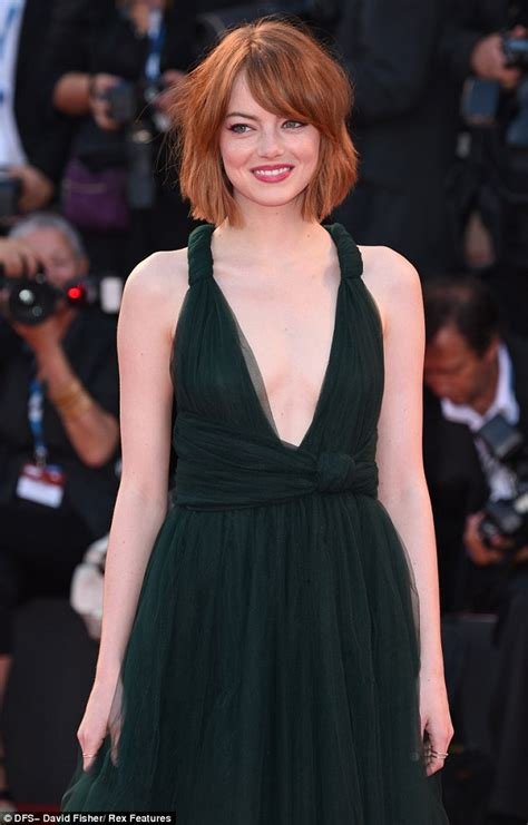 emma stone daily mail emma stone dazzles in plunging emerald green gown on the