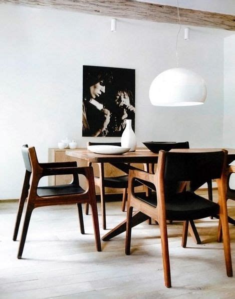 Make Dining Room Chairs Best 25 Black Leather Chair Ideas On Pinterest Bachelor Decor Black Brick Wallpaper And