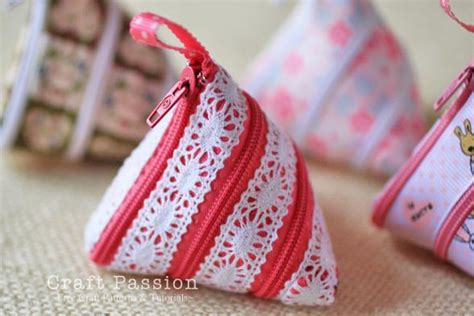 pattern for triangle coin purse with zipper diy change purses that will keep your coins together