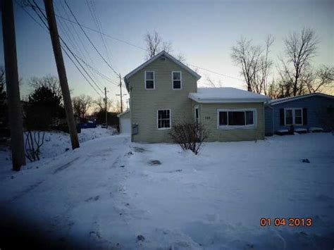 Houses For Sale In Port Clinton Ohio by 720 E 5th St Port Clinton Ohio 43452 Detailed Property