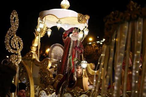 fotos reyes magos madrid 2015 los reyes magos llegan a madrid envueltos en un halo de