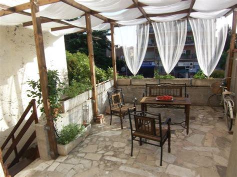 mediterraner sichtschutz terrasse balkon und terrasse im mediterranen stil einrichten