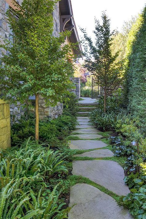 side of house landscaping ideas landscaping ideas for narrow side of house