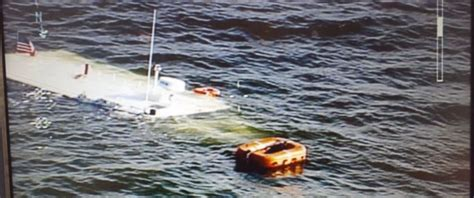 sinking boat put in bay boat carrying elementary school students on field trip