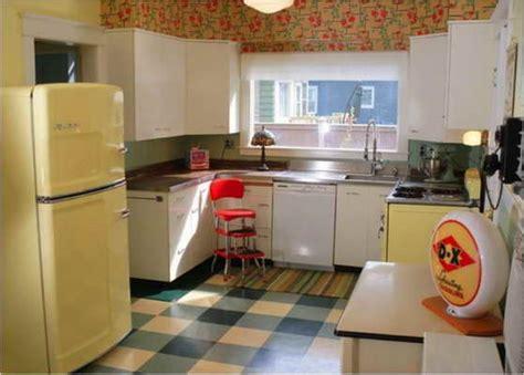1950 s kitchen bloombety 1950s kitchen appliances with wallpaper 1950s