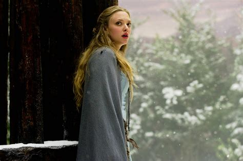 amanda seyfried red riding hood red riding hood picture 7