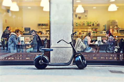 modern lifestyle scrooser modern lifestyle electric city scooter blackle mag