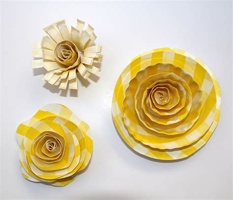 craft flowers for gifts and more paper plate flowers