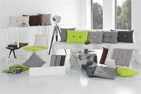 decken und kissen wohnland breitwieser - Sofakissen Und Decken