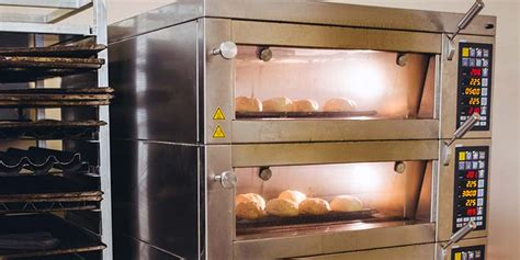 Kitchen Oven For Baking The Best Commercial Ovens Compactappliance