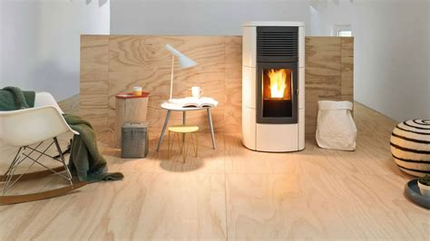 idee cheminee design cheminee moderne dans maison ancienne