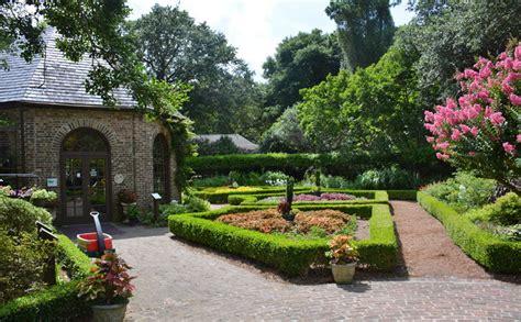 Elizabeth Outer elizabethan gardens outerbanks
