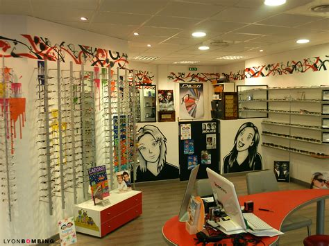 l decoration d 233 cor manga chez l opticien gumii int 233 rieur lyonbombing