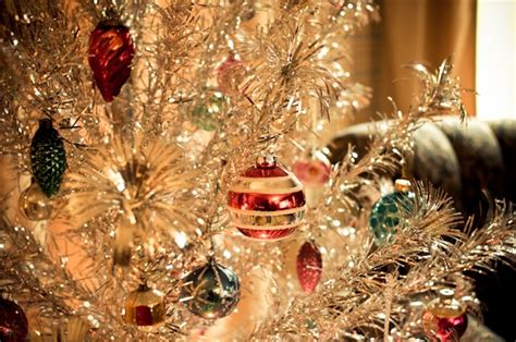 tinsel tree with a color wheel vintage christmas