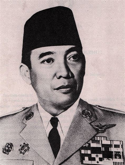 T Shirt Pria Ir Soekarno biografi soekarno presiden ri ke 1 amaterasu