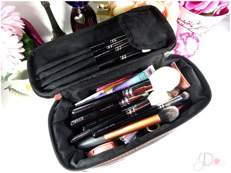 yettezkie s doodles what s in my travel makeup bag
