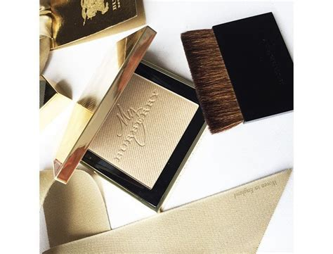 New Burberry Gold Glow Powder No01 Gold Shimmer Limited Edition makeup ideas this new year