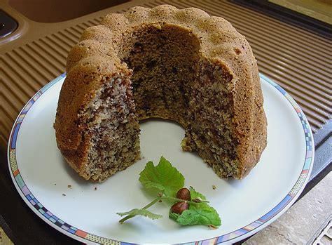 kuchen mit waldfrüchten schoko nuss kuchen mit amarettoglasur rezept mit bild