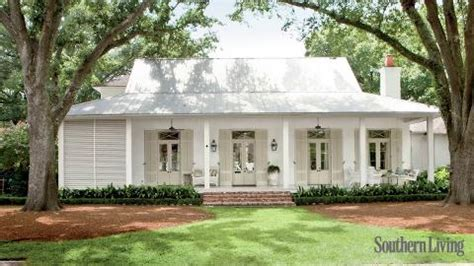 chip and joanna gaines castle heights house exterior makeovers before and after southern living