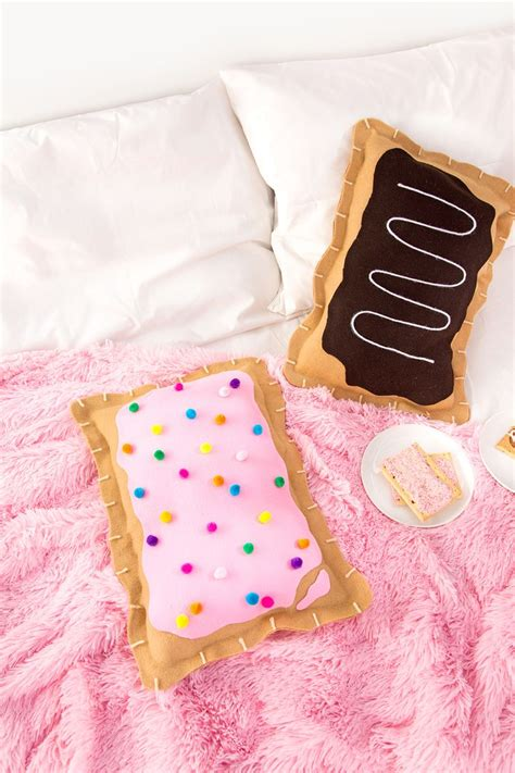 Best 25  Diy pillows ideas on Pinterest   Sewing pillows