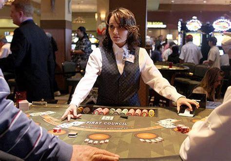 how to be a dealer blackjack regels strategi 235 n en blackjack