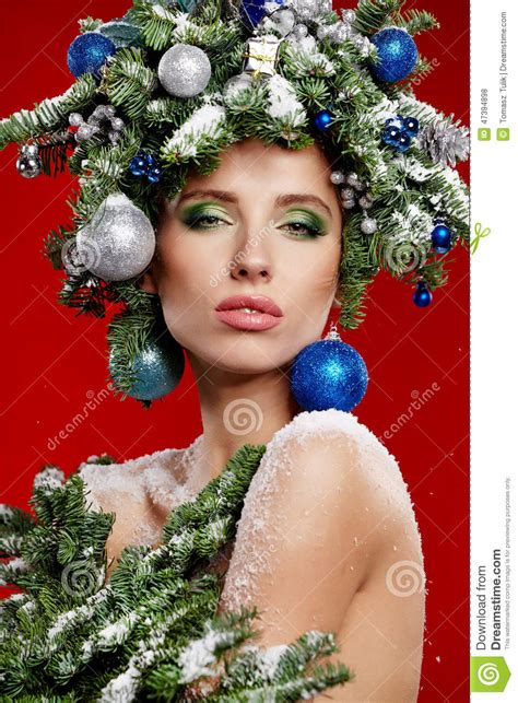 latest holiday wood hairstyles beautiful new year and christmas tree holiday hairstyle