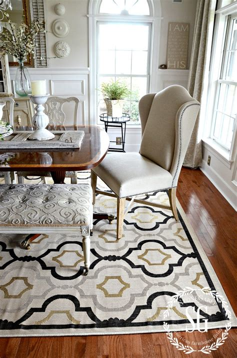 rules  choosing  perfect dining room rug stonegable