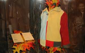 who had the coat of many colors coat of many colors dolly parton clothing