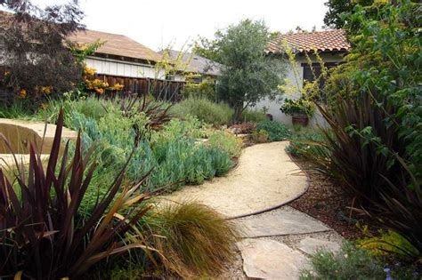 decomposed granite pathway gardens love decomposed granite don t know why just do yards