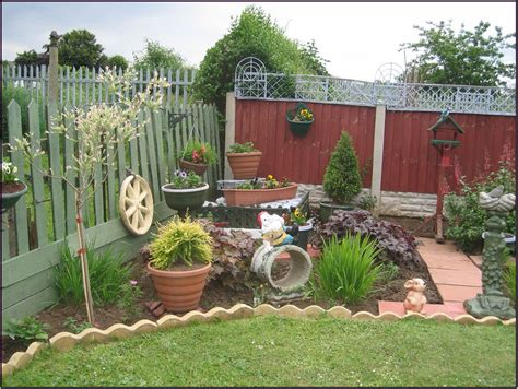 Garden Walling Ideas Simple And Garden Wall Ideas 2912 Hostelgarden Net