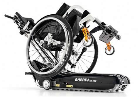 cingolato per sedia a rotelle barriere architettoniche montascale a cingoli