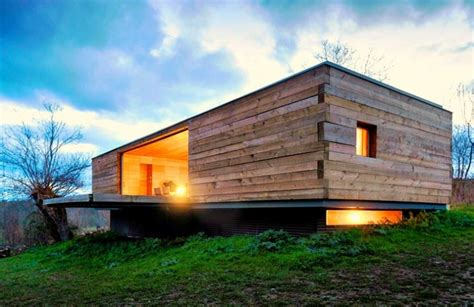 House Seasons Stunning Four Seasons House Is A Small Wooden Retreat