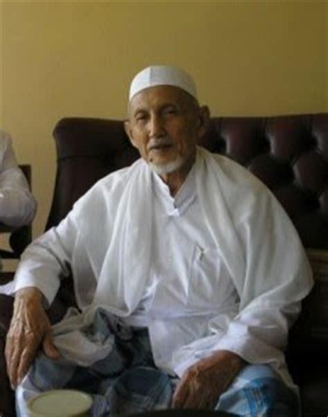biografi habib quraisy bin qosim baharun foto para sholihin makam sholihin kumpul kumpul