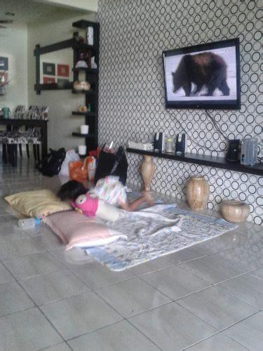 Kursi Ruang Tamu Di Malang menata desain ruang tamu tanpa kursi atau sofa renovasi rumah net