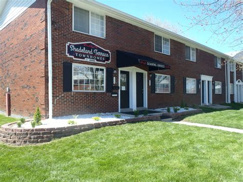 Indianapolis Appartments by Shadeland Terrace Indianapolis In Apartment Finder