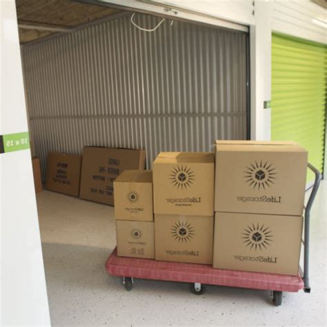 Used Wardrobe Boxes by Self Storage Shoppers Compass