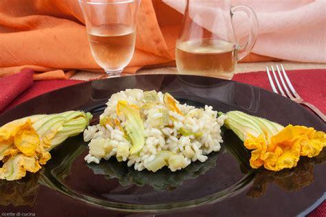 zucchine fiori risotto alle zucchine coi fiori ricette di cucina