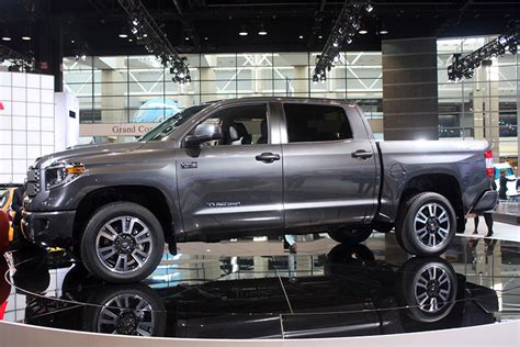 Toyota Tundra Trucks Reved 2018 Toyota Tundra Debuts In Chicago