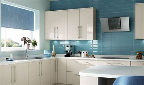 welford cream luca gloss alabaster kitchens buy the warm colour and high gloss finish of wickes glencoe