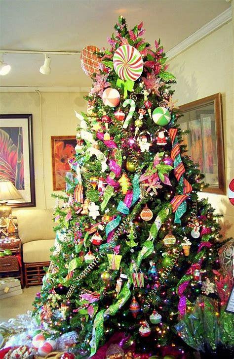 25 Dekorasi Natal Hiasan Ornamen Pohon Natal Hiasan Pohon Natal 15 contoh dekorasi pohon natal tree decorations beberapa contoh desain untuk