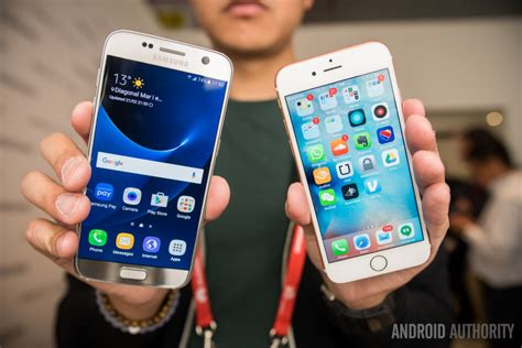 samsung galaxy   iphone  hands  comparison android authority