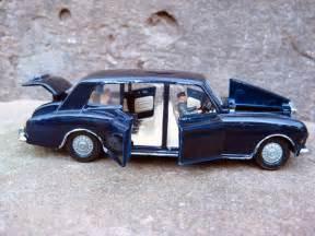 All Rolls Royce Cars Rolls Royce Phantom V Modelcar Dinky Toys 1 43 In Blue