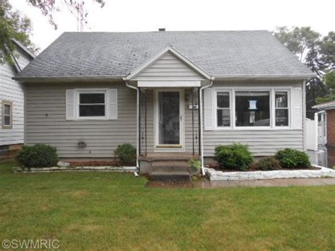 Houses For Sale In Benton Harbor Mi by 254 Searles Ave Benton Harbor Michigan 49022 Foreclosed Home Information Foreclosure Homes